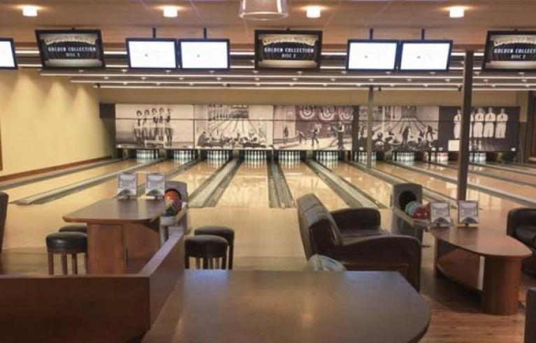 Pinstripes Bowling, Bocce and Bistro